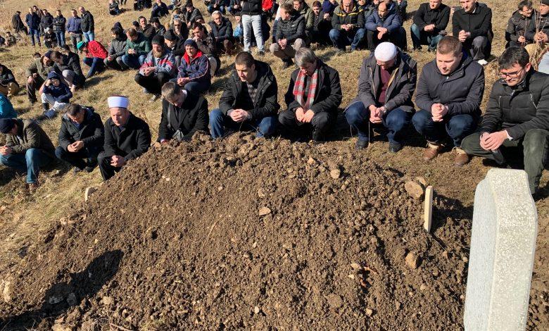 Bosna Hizmeti'nin ilklerinden Karslı, eşini ebediyete uğurladı 1