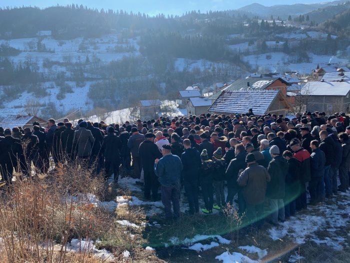 Bosna Hizmeti'nin ilklerinden Karslı, eşini ebediyete uğurladı 2