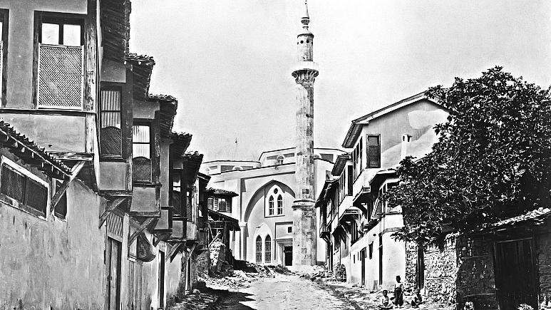 Osmanlı'da karantina nasıl başladı, toplum nasıl tepki gösterdi? Halkın 'istemezük!' isyanları 1