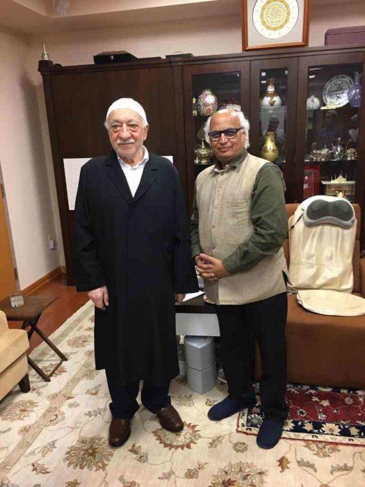 Hindistanlı Siyasetçi Kulkarni: Hocaefendi'yi Gandhi'ye benzetiyorum 3