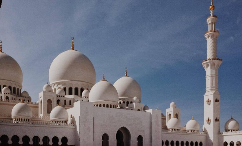 Kolaylaştırma, nefret ettirmeme ve din   Ahmet Kurucan 1