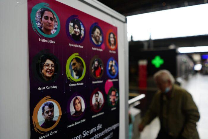 Türkiye'deki zulüm İsviçre'de anlatıldı 4