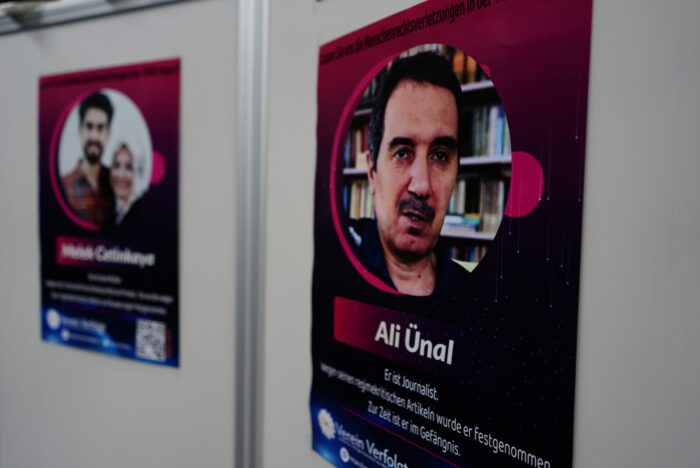 Türkiye'deki zulüm İsviçre'de anlatıldı 2