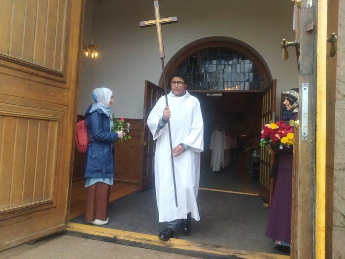 Norveç'te yaşayan Müslümanlardan kilise cemaatine anlamlı ziyaret 3