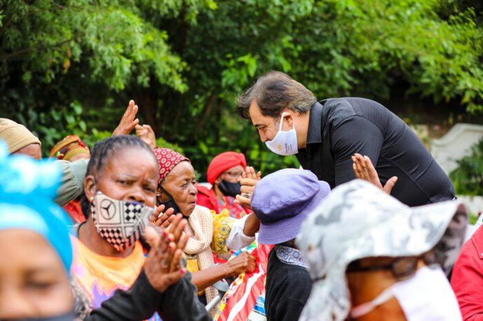 Mashatile, Hizmet gönüllüleri ile korona yardımına katıldı 3