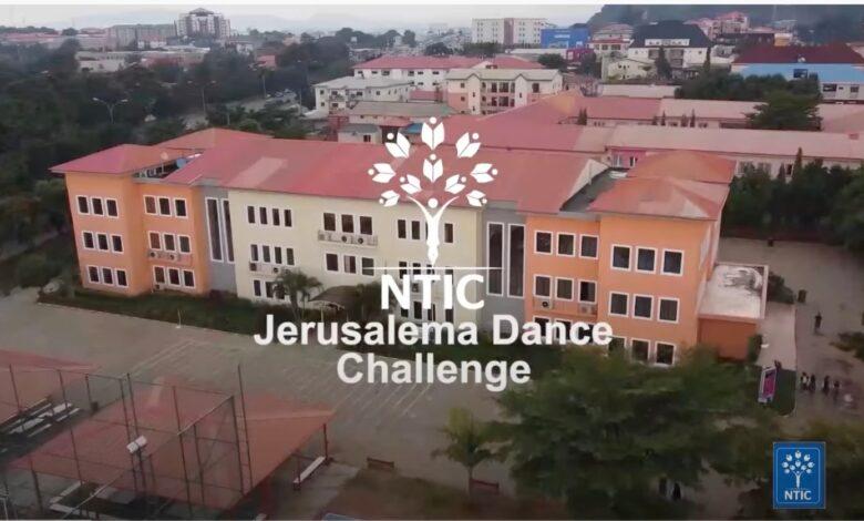 Nijerya'daki Hizmet Okulu öğrencilerinden muhteşem dans 1