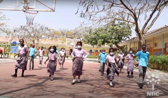 Nijerya'daki Hizmet Okulu öğrencilerinden muhteşem dans 2