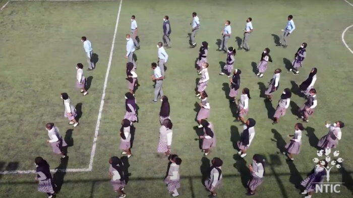Nijerya'daki Hizmet Okulu öğrencilerinden muhteşem dans 3