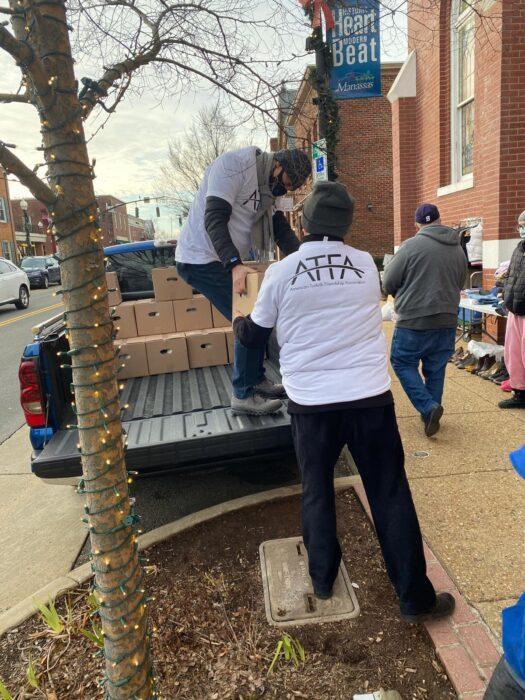 Virginia'daki gönüllülerden ihtiyaç sahiplerine destek 2
