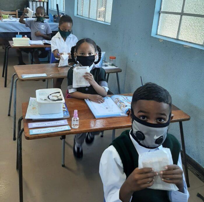 G.Afrika'daki Hizmet kurumlarından Sandviç kampanyası 4