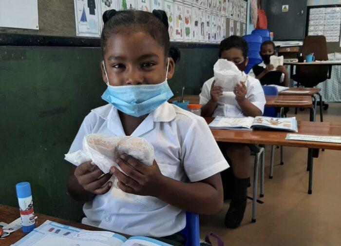 G.Afrika'daki Hizmet kurumlarından Sandviç kampanyası 2