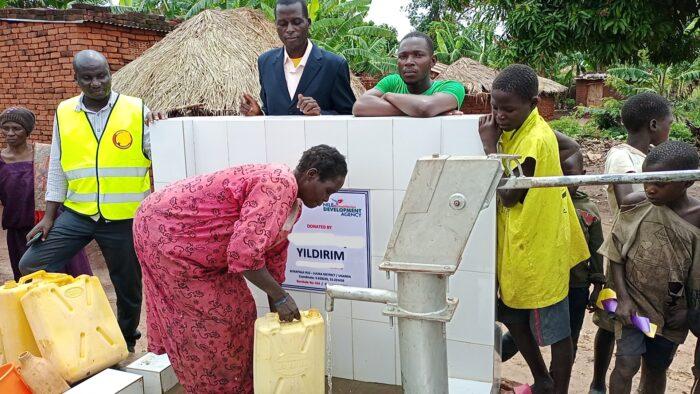 100 bin Ugandalı daha suya kavuştu 2