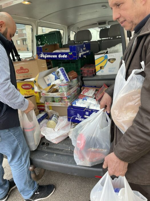 Yeni Almanyalılar İnisiyatifi yardımdan yardıma koşuyor 4