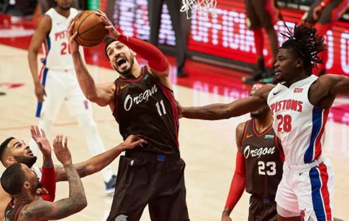 Enes Kanter'den NBA ve takım rekoru: 24 sayı, 30 ribaund 1