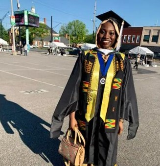 Nijerya'daki Hizmet okulundan mezun olan Fatima rekorlara doymuyor 1