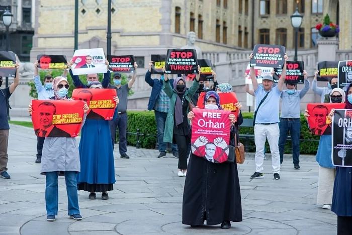 Kırgızistan'da kaçırılan Orhan İnandı için Oslo'da protesto 1