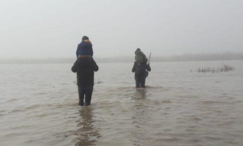 Meriç'in taşan sularında 12 saat yürümek zorunda kalan çocukların hikayesi… 1