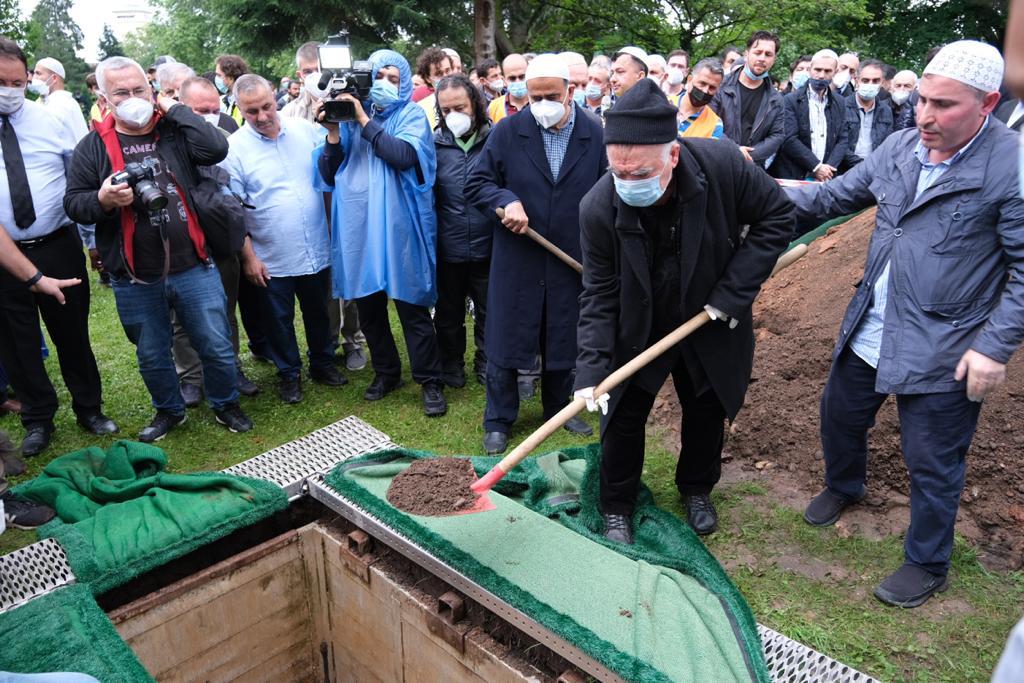 Alimin ölümü alemin ölümü oldu: 'Samsunlu Hoca' Şengül Ağabey'i ebediyete uğurladık 17